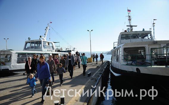Катер в Севастополе